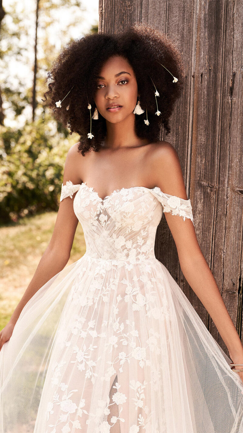 Lillian West - 66184 Brautkleid Vorderansicht 2