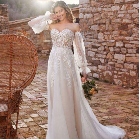White One - Cariad Brautkleid Vorderansicht 1