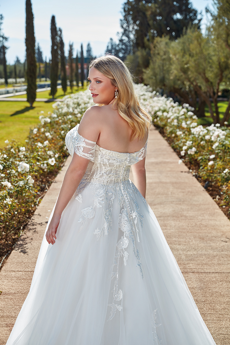 Eddy K - UR134 Brautkleid Rückenansicht 2