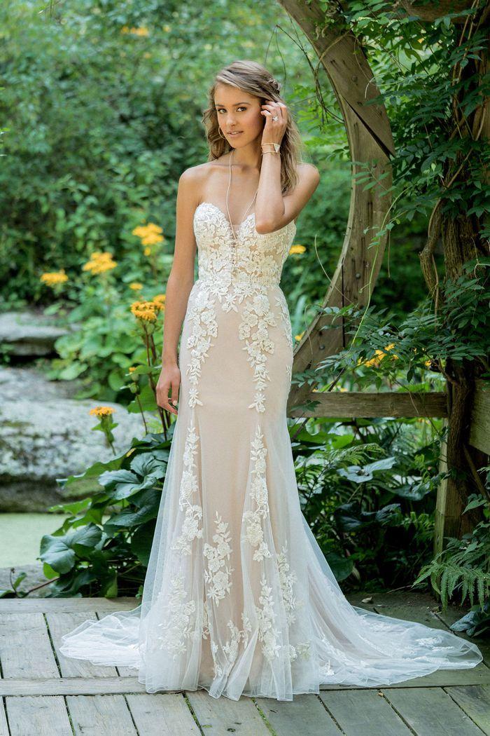 Lillian West - 66009 Brautkleid Vorderansicht 2