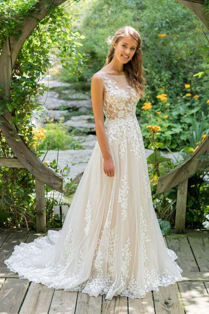 Lillian West - 66024 Brautkleid Vorderansicht 2
