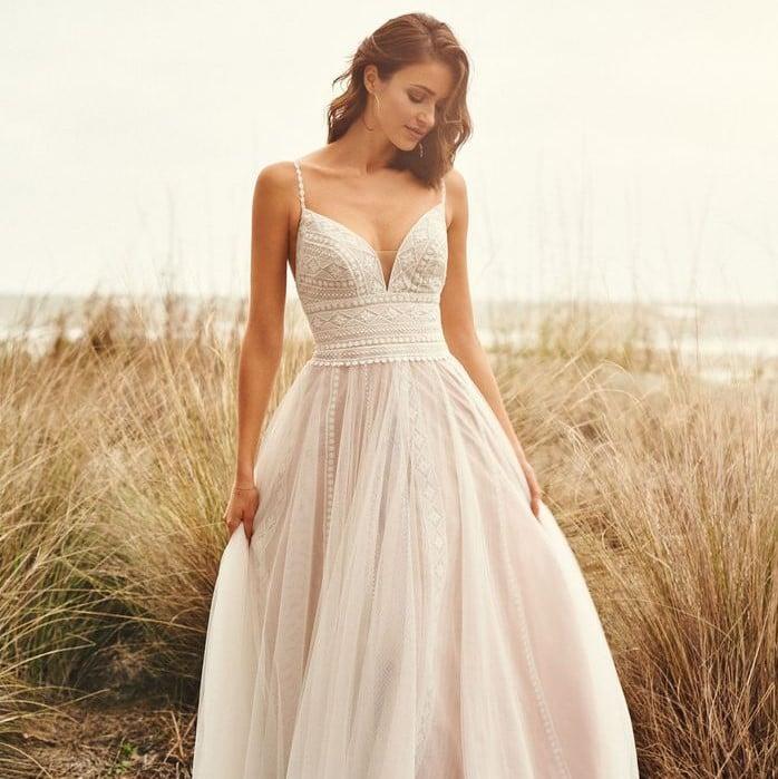 Lillian West - 66108 Brautkleid Vorderansicht 3