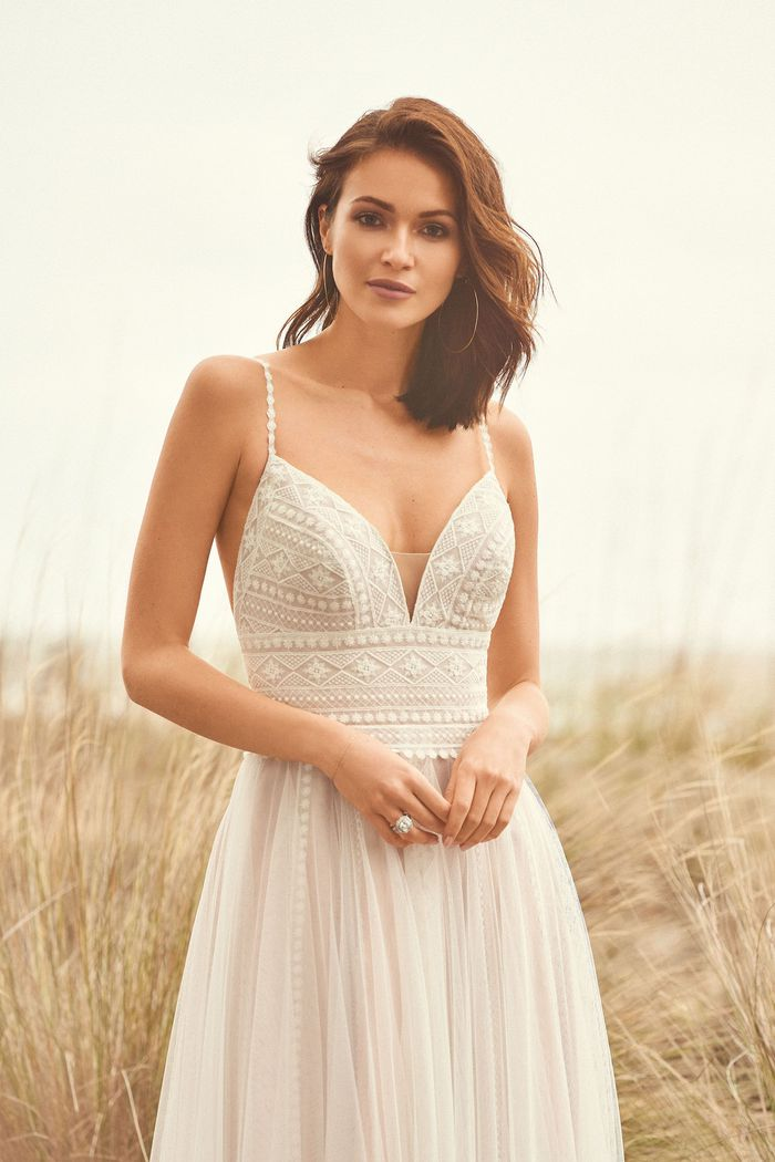 Lillian West - 66108 Brautkleid Vorderansicht 1