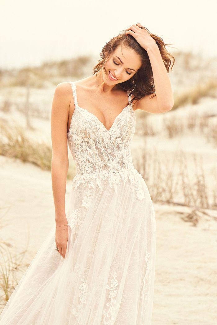 Lillian West - 66113 Brautkleid Vorderansicht 3