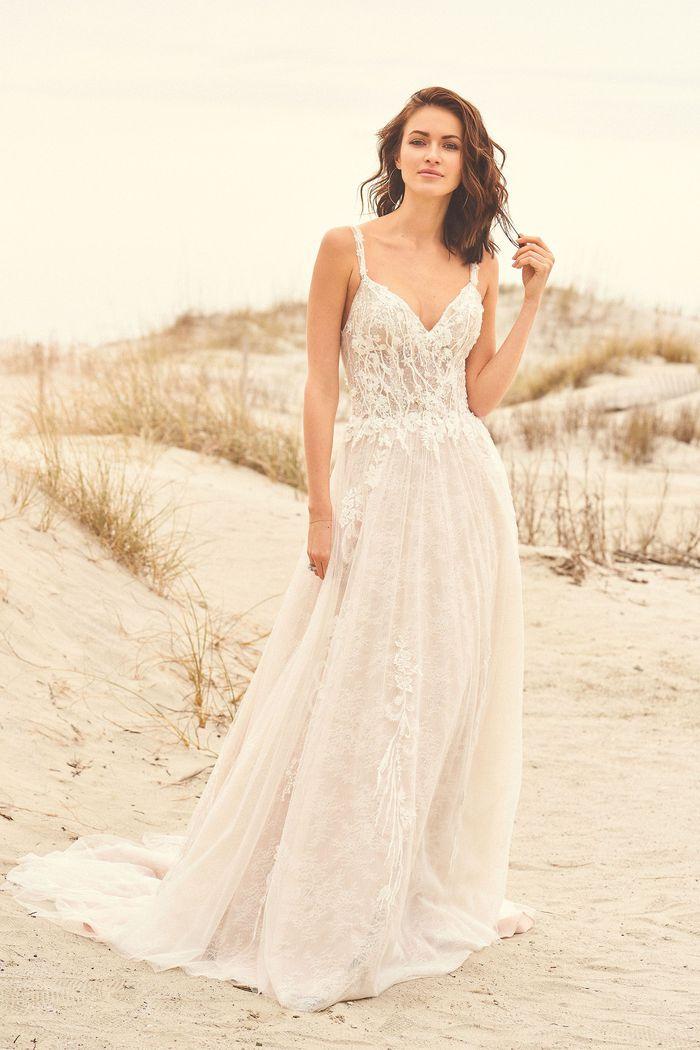 Lillian West - 66113 Brautkleid Vorderansicht 1