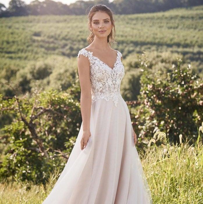 Lillian West - 66133 Brautkleid Vorderansicht 3