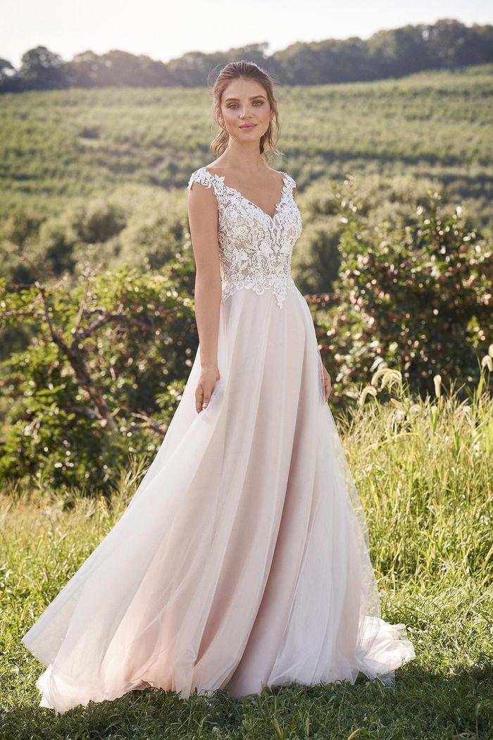 Lillian West - 66133 Brautkleid Vorderansicht 2