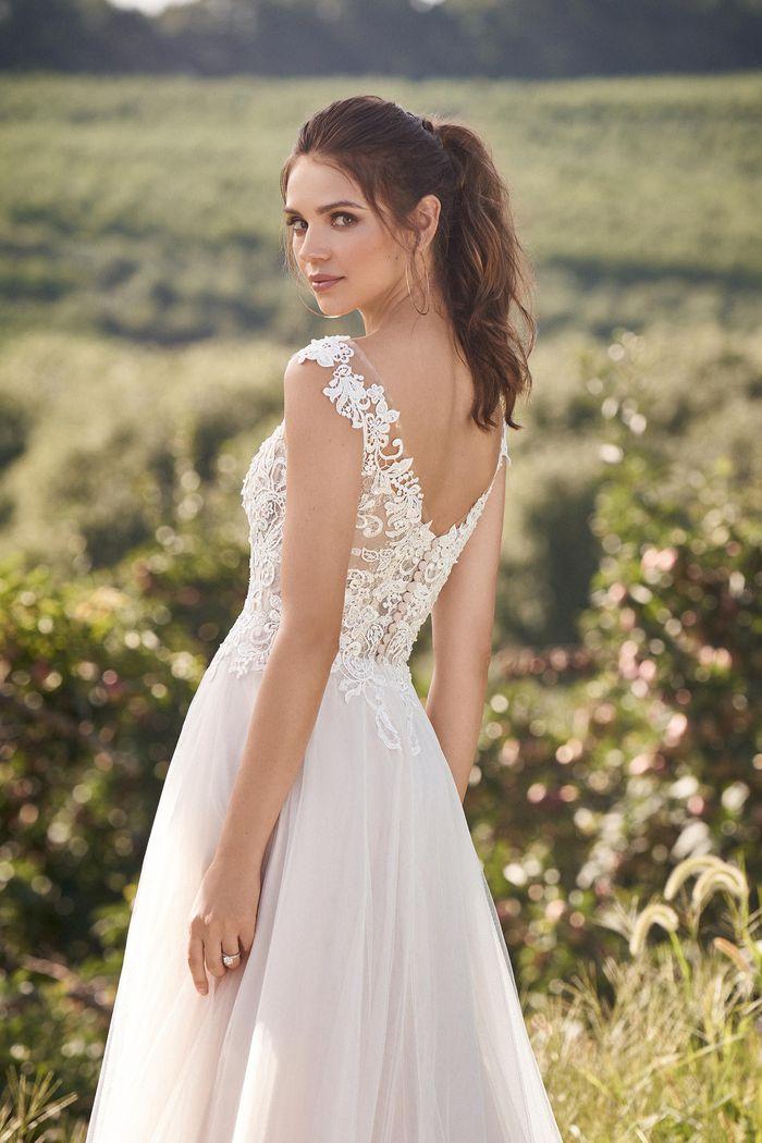 Lillian West - 66133 Brautkleid Rückansicht 2