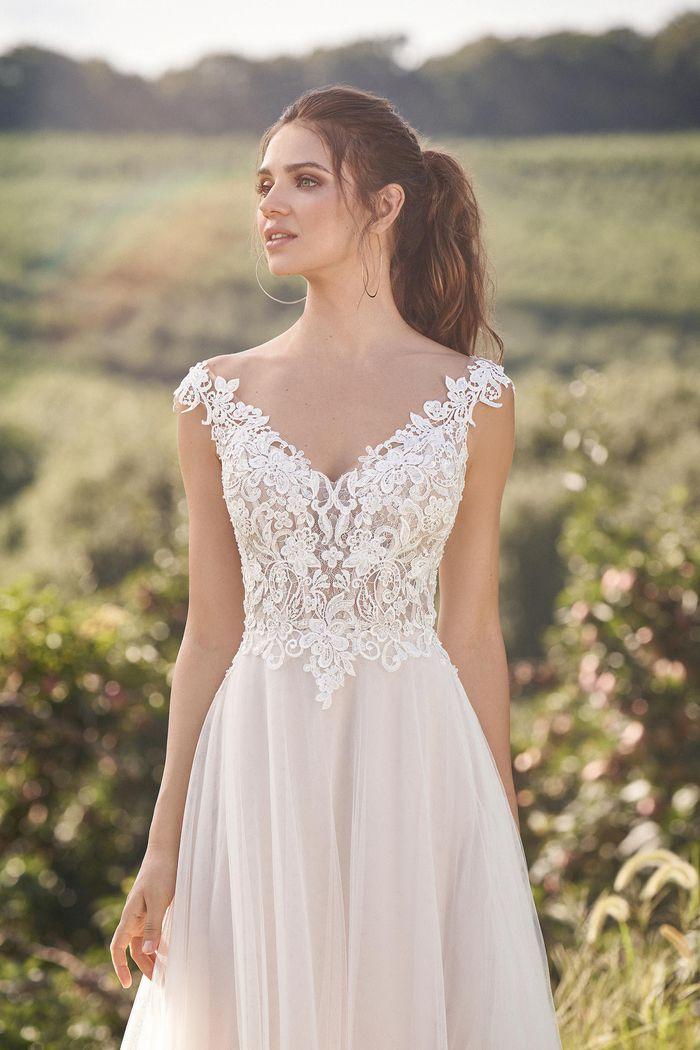 Lillian West - 66133 Brautkleid Vorderansicht 1