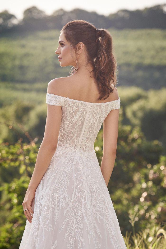 Lillian West - 66145 Brautdkleid Rückansicht 2