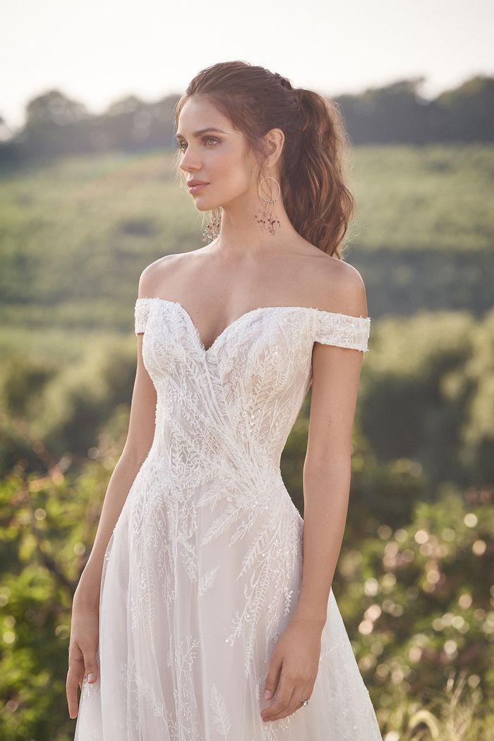 Lillian West - 66145 Brautdkleid Vorderansicht 3