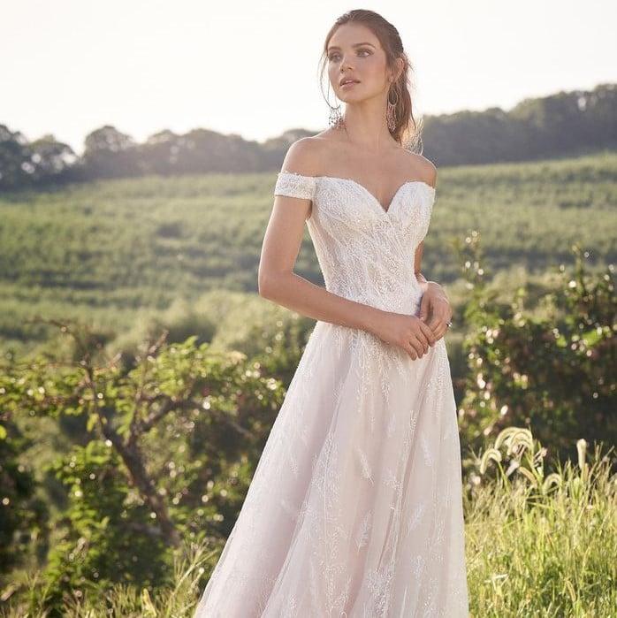 Lillian West - 66145 Brautdkleid Vorderansicht 2