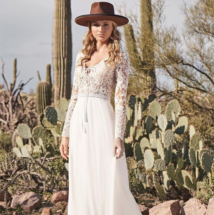 Lillian West - 66150 Brautkleid Vorderansicht 2