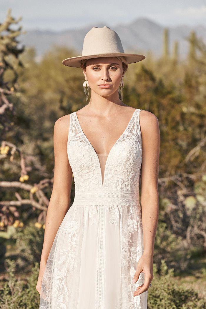 Lillian West - 66166 Brautkleid Vorderansicht 1