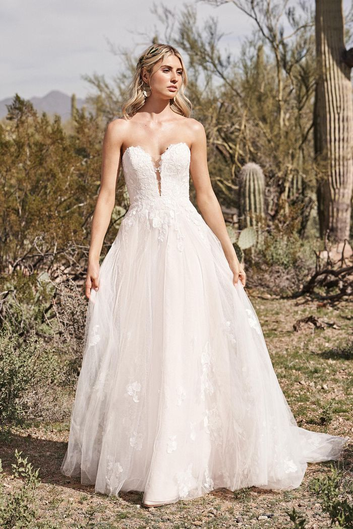 Lillian West - 66175 Brautkleid Vorderansicht 1