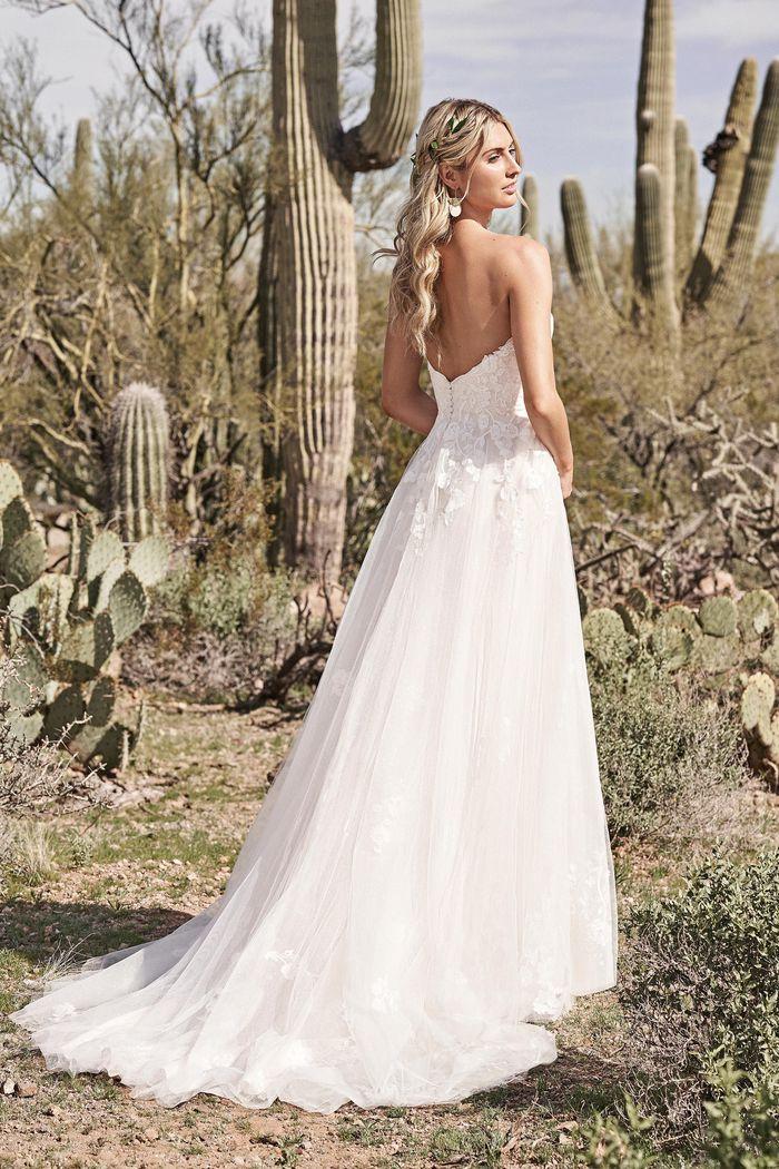 Lillian West - 66175 Brautkleid Rückansicht 1