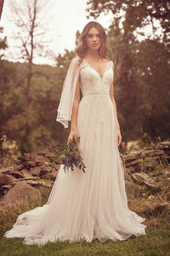 Lillian West - 66065 Brautkleid Vorderansicht 2