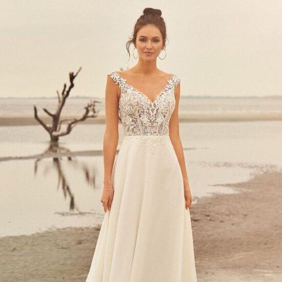 Lillian West - 66097 Brautkleid Vorderansicht 3