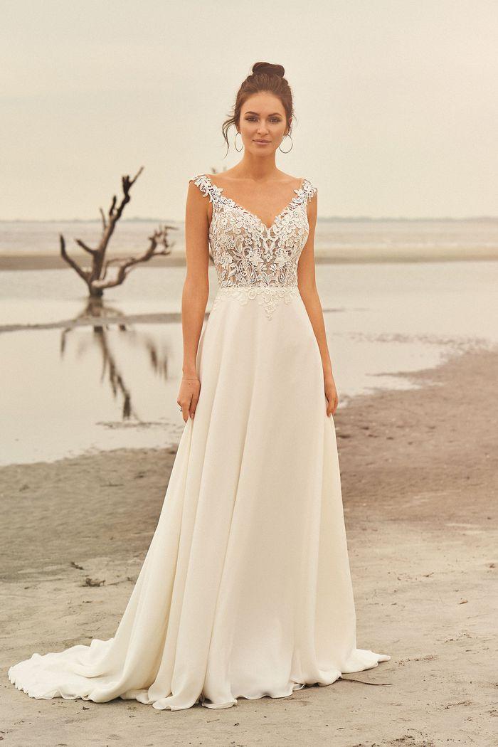 Lillian West - 66097 Brautkleid Vorderansicht 2