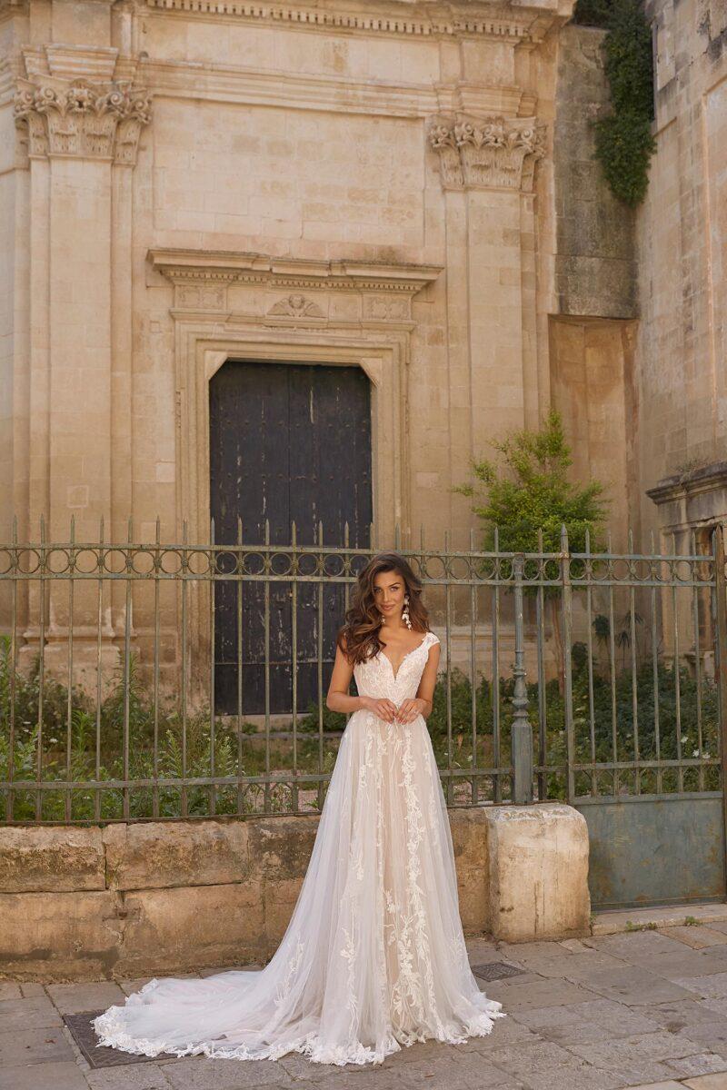 Madi Lane - Madison Brautkleid Vorderansicht 4