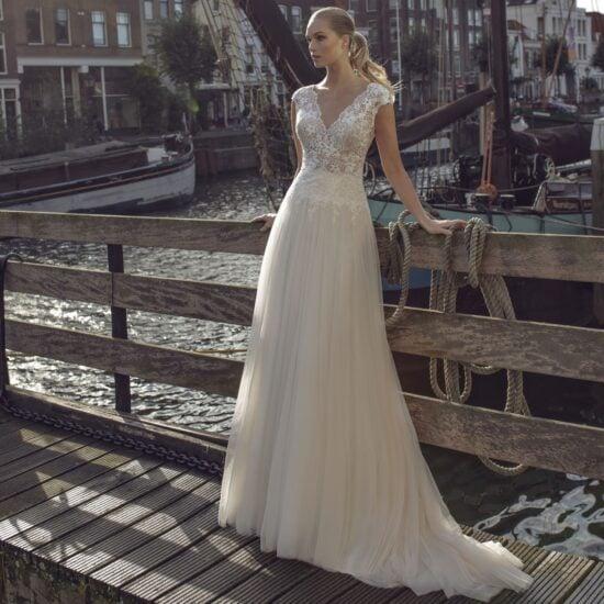 Modeca - Kae Brautkleid Vorderansicht 1