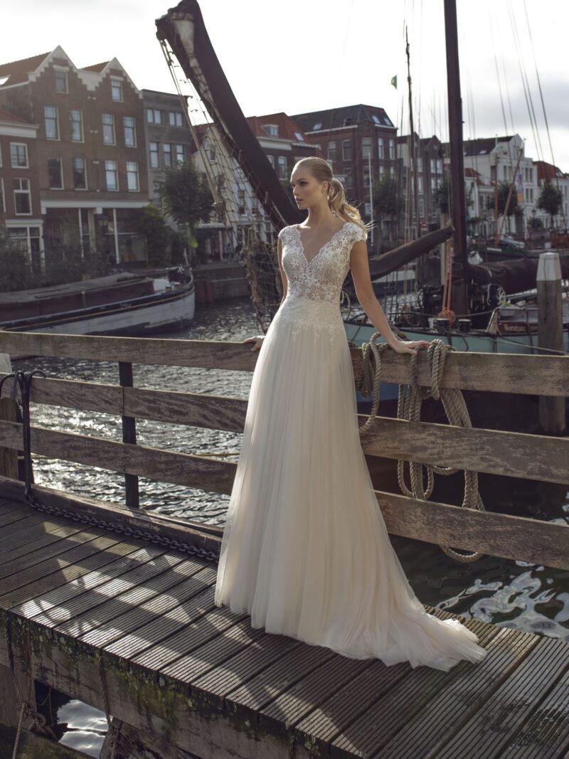 Modeca - Kae Brautkleid Vorderansicht 2