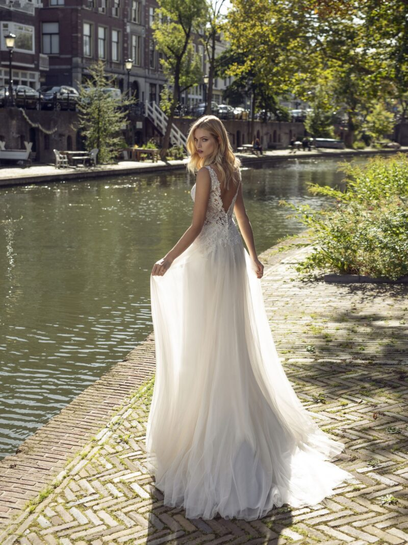 Modeca - Kansas Brautkleid Rückansicht 1