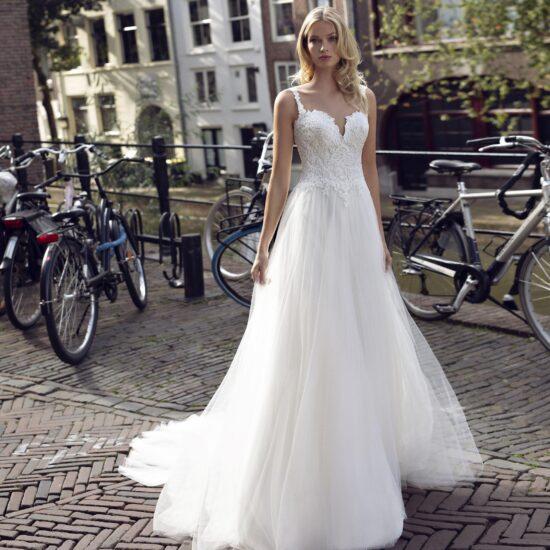 Modeca - Kendall Brautkleid Vorderansicht 3