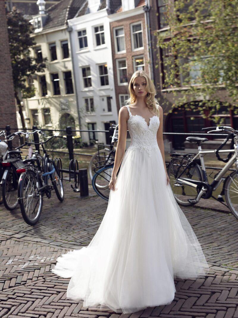 Modeca - Kendall Brautkleid Vorderansicht 2