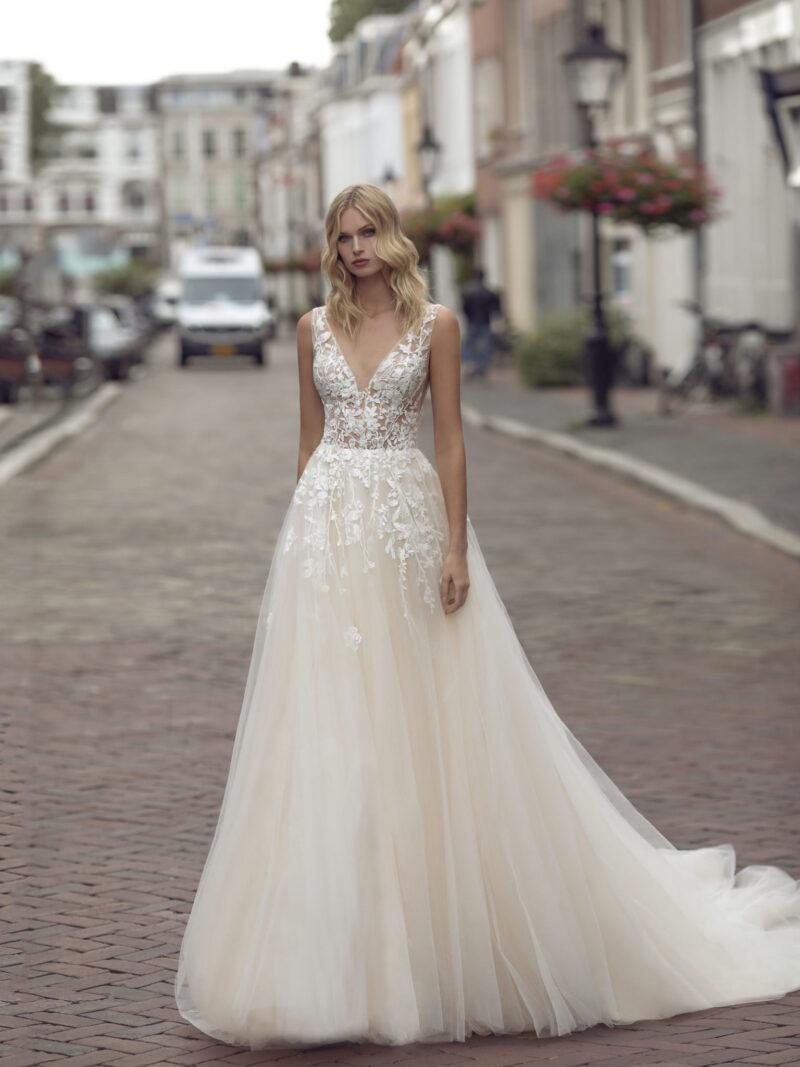 Modeca - Kimberley Brautkleid Vorderansicht 2