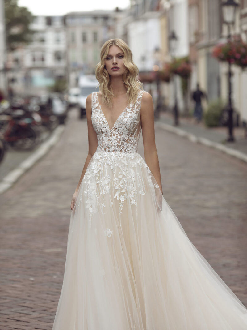 Modeca - Kimberley Brautkleid Vorderansicht 1