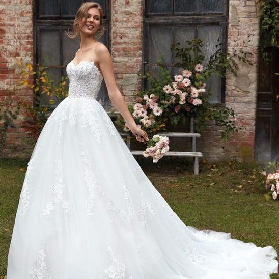 Nicole Milano - CO12109 Brautkleid Vorderansicht 3