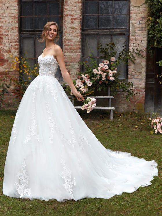 Nicole Milano - CO12109 Brautkleid Vorderansicht 2
