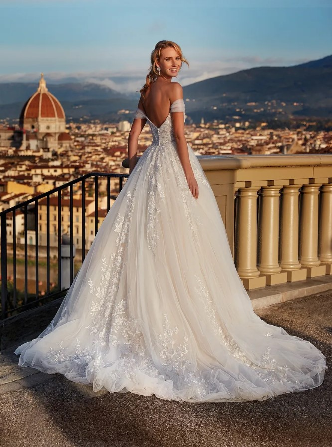 Nicole Milano - NI121A5 Brautkleid Rückansicht 2