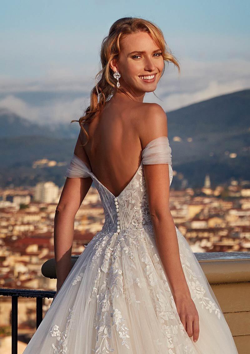 Nicole Milano - NI121A5 Brautkleid Rückansicht 1