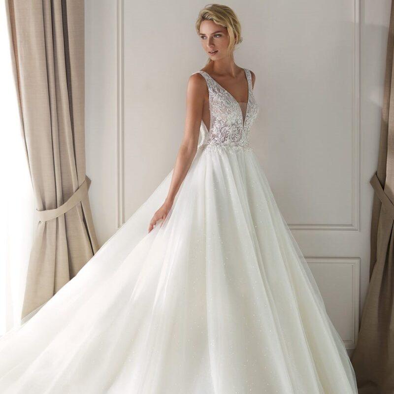 Nicole Milano - Nia2027 Brautkleid Vorderansicht 2