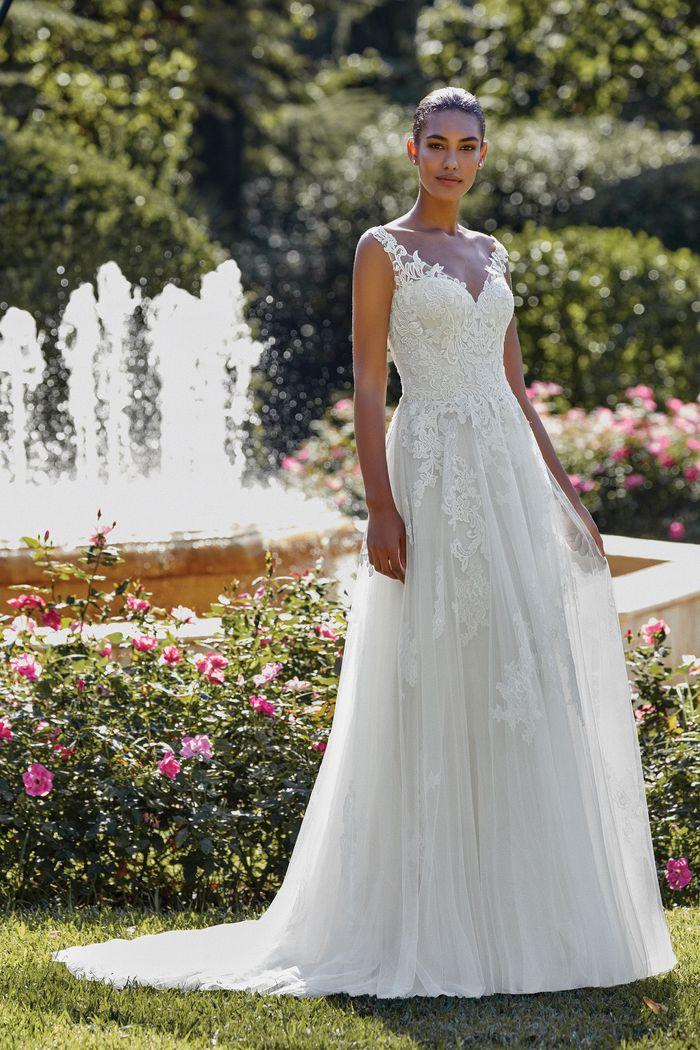 Sincerity - 44146 Brautkleid Vorderansicht 2