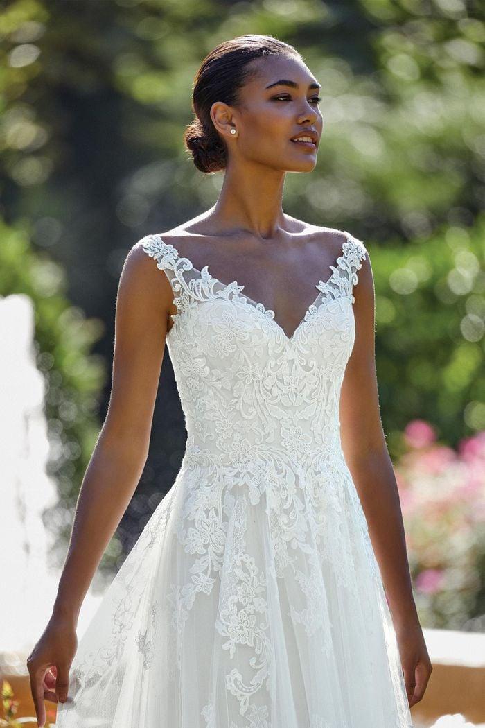 Sincerity - 44146 Brautkleid Vorderansicht 1