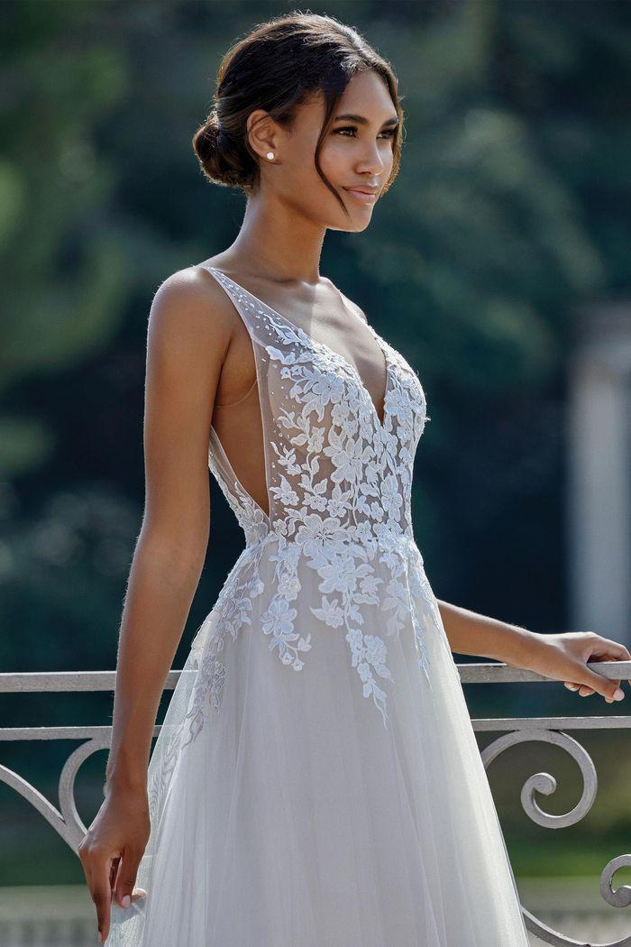 Sincerity - 44149 Brautkleid Vorderansicht 1