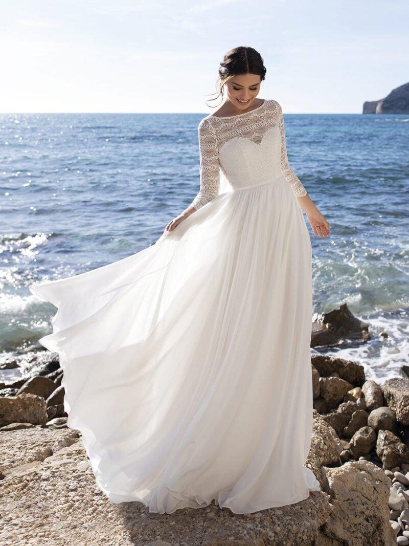 White One - Clusiana Brautkleid Vorderansicht 1