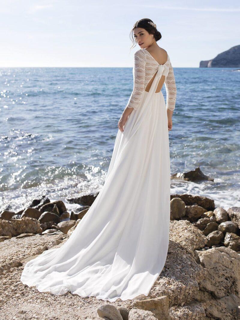 White One - Clusiana Brautkleid Rückansicht 1