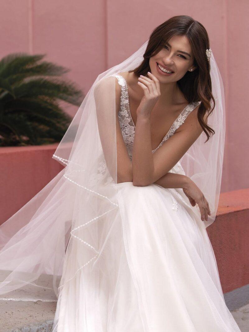 White One - Brautkleid Vorderansicht 1