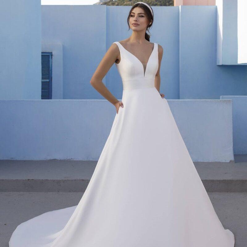 White One - Mistletoe Brautkleid Vorderansicht 2