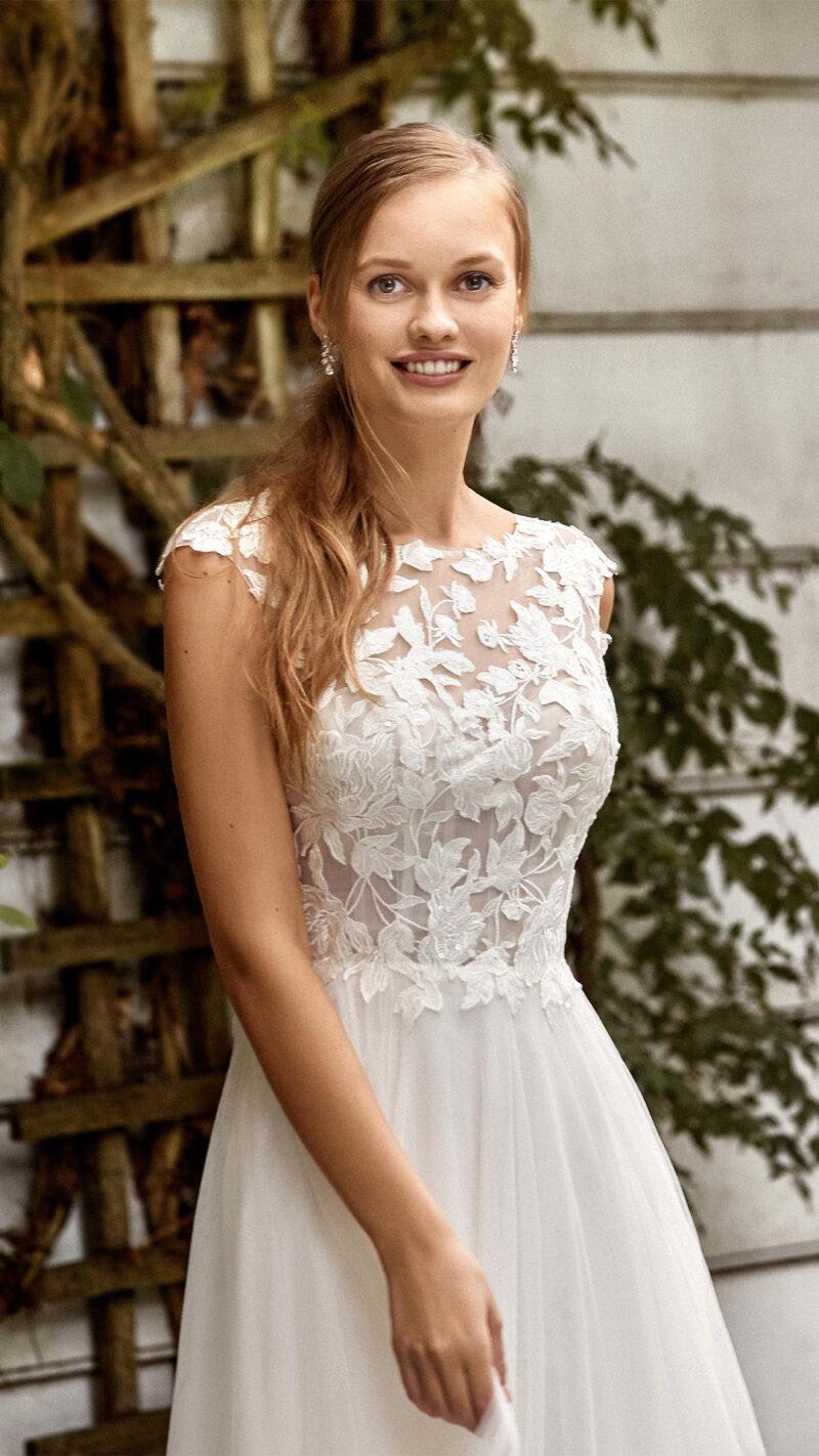 Sincerity - 44272 Brautkleid Vorderansicht 2
